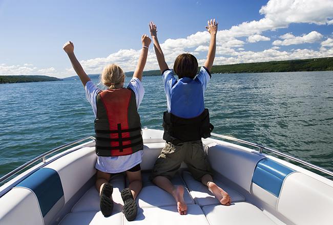 passeio-de-barco-com-criancas