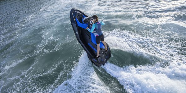 SEA-MY22-REC-SPA-TRIXX-2UP-900ACE90-DAZZLINGBLUE-Action-SEA-MY22-SPARK-BLUE-90-ACTION-36166-RGB